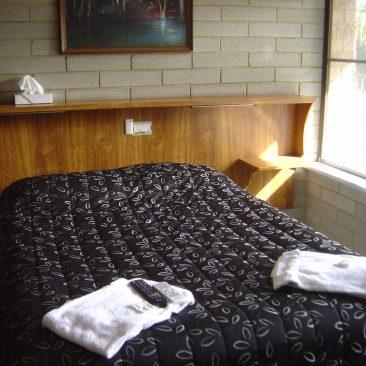 Unit Double Bed